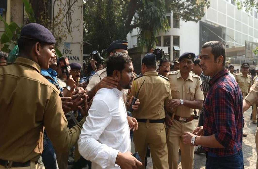 Mumbai remains tense, Police denies permission for students' meet