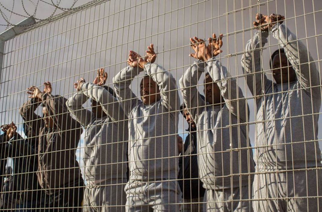 Palestinian detainees without charges boycott Israeli courts
