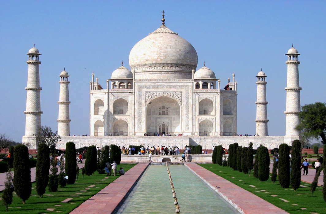 Supreme Court pulls up ASI for failing to take proper care of Taj Mahal