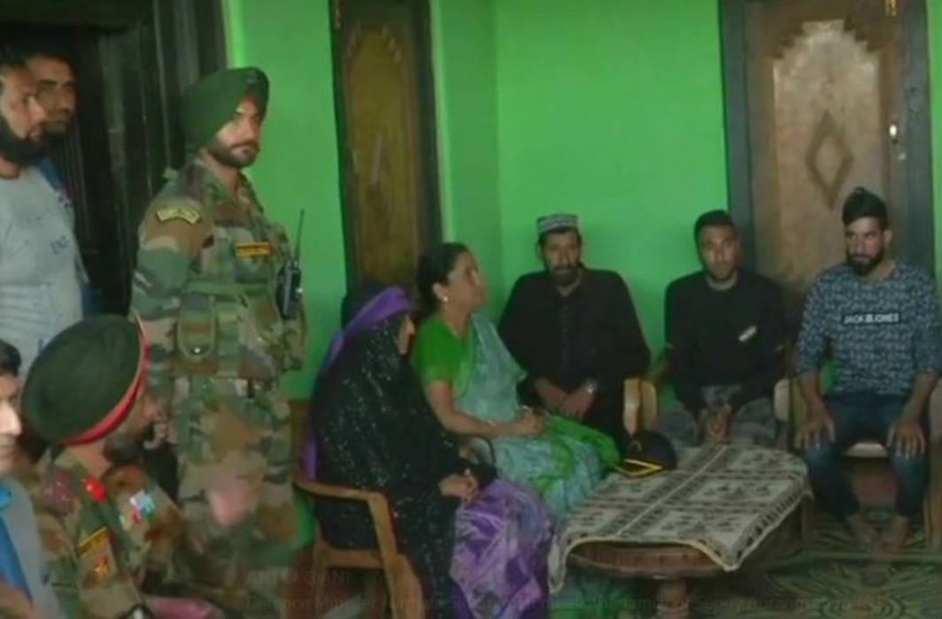 Defence Minister Nirmala Sitharaman meets Rifleman Aurangzeb's family in Jammu and Kashmir