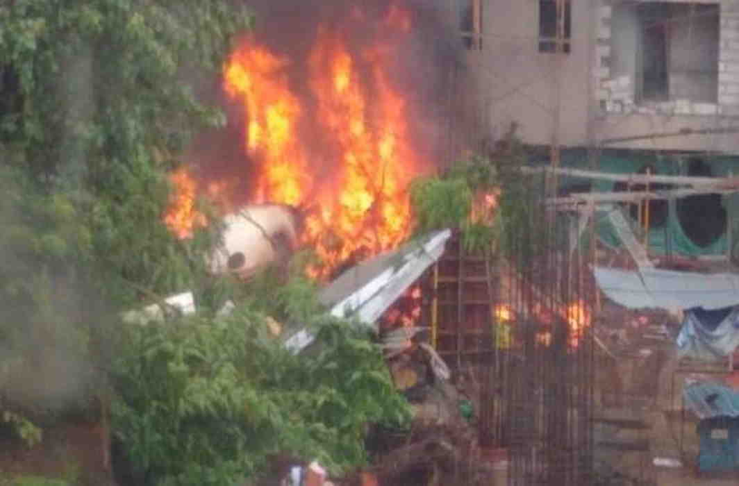 5 dead, 2 injured as plane crashes into construction site in Mumbai