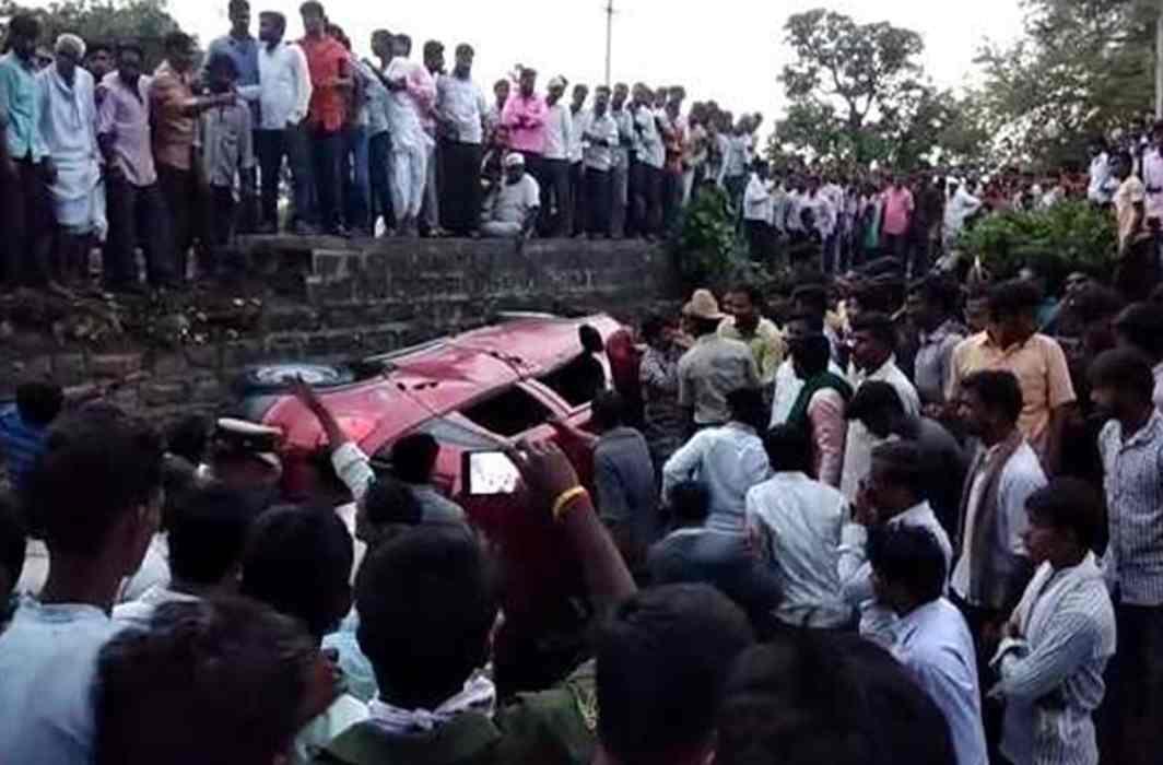 Mob kills IT Engineer for fake WhatsApp rumour in Karnataka