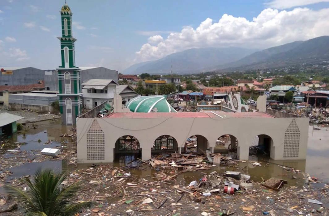 Indonesia: Earthquake-Tsunami Kills 400, Injures Over 500