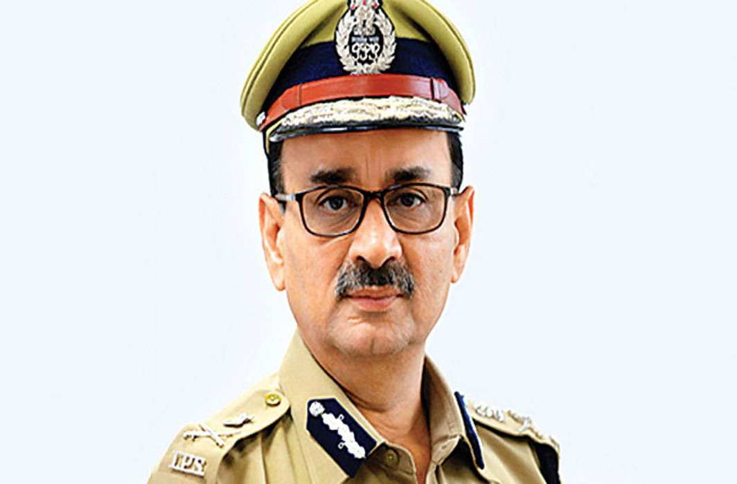 Four IB men caught outside residence of CBI Director Alok Verma's residence