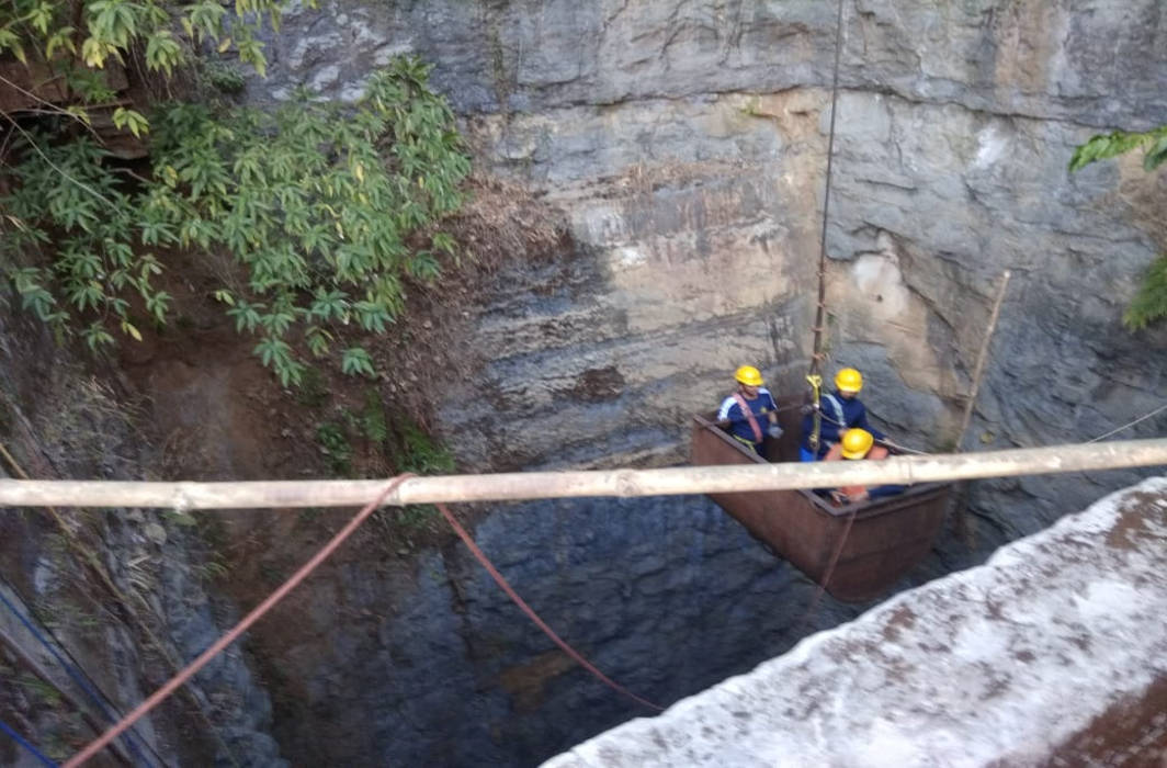Rescue Operation in Meghalaya must continue: SC urges