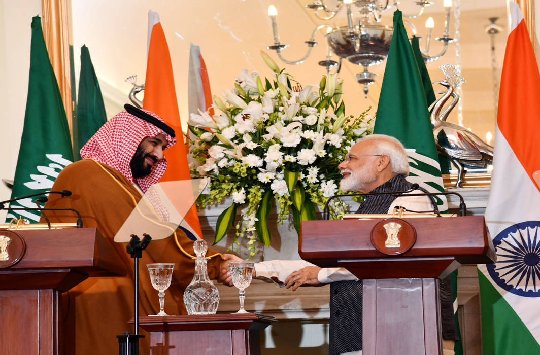India gives warm welcome to Saudi prince, doesn't mention Pak in statement against terrorism