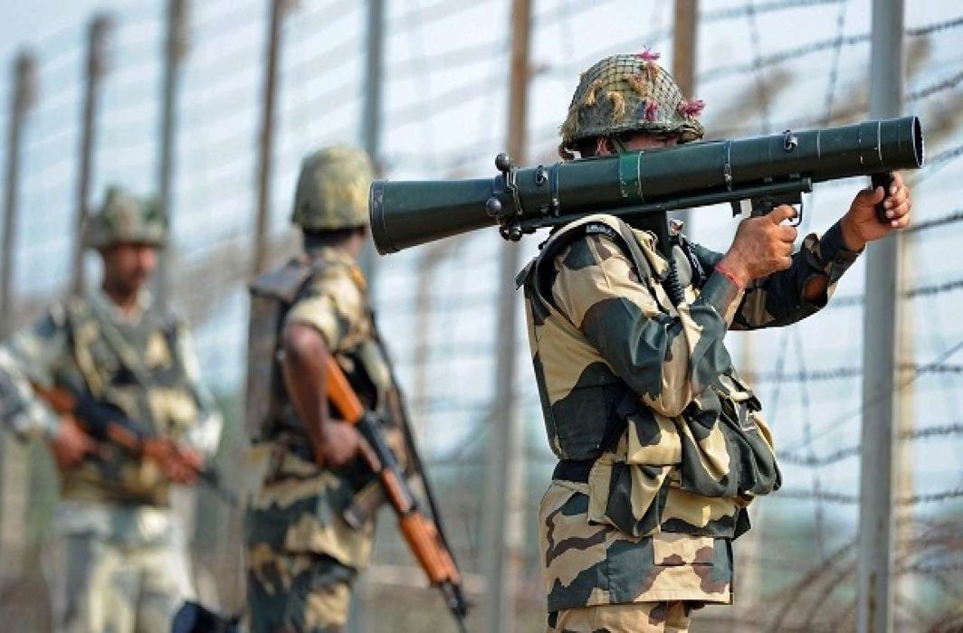 Pakistan violates ceasefire in Rajouri district Indian forces retaliate