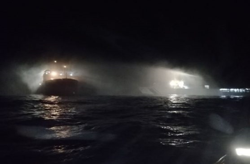 Major fire broke out on ship at New Mangalore Port, no causalities reported