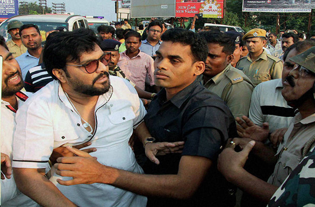 BJP leader Babul Supriyo's car vandalised in West Bengal's poll violence