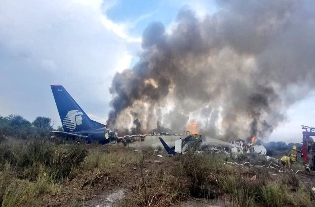 Plane carrying 13 passengers from Las Vegas crashes in Mexico, all dead