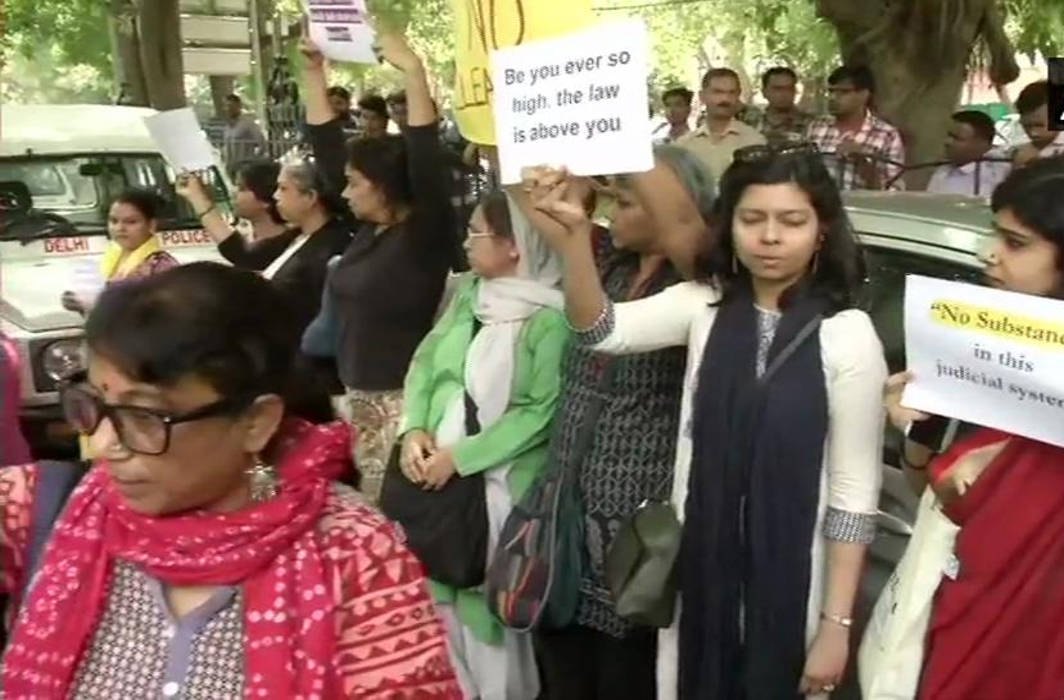 Activists protest clean chit to CJI Gogoi, detained; Section 144 imposed outside Supreme Court
