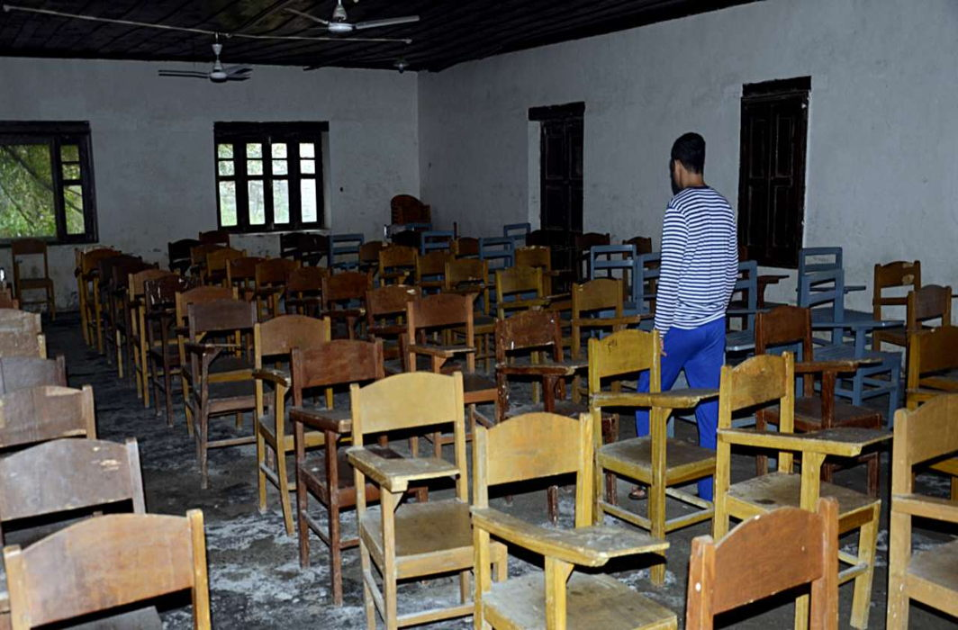 J&K: Some schools reopen – teachers come, students stay away
