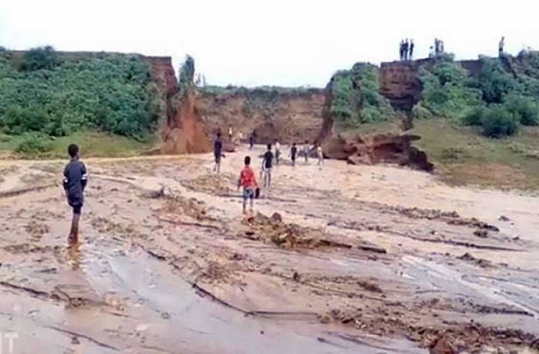 Jharkhand Canal collapsed