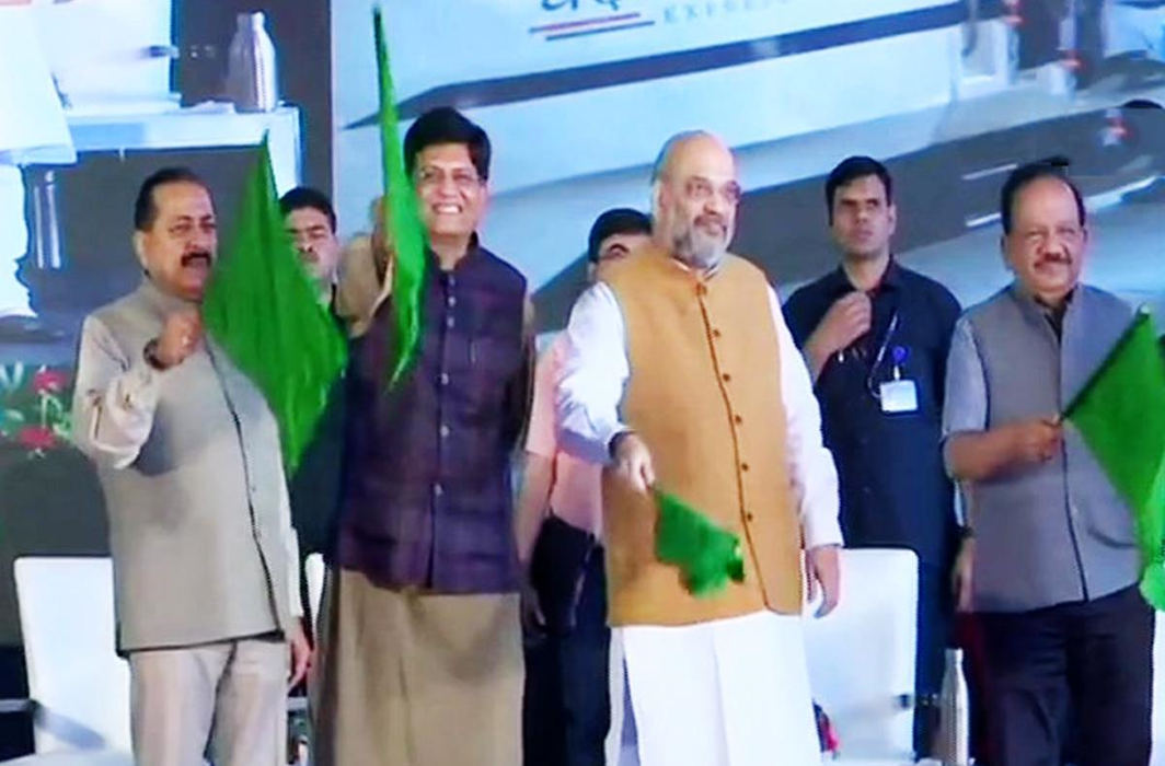 'Navratri Gift for J&K': Amit Shah Flags off Delhi-Katra Vande Bharat Express