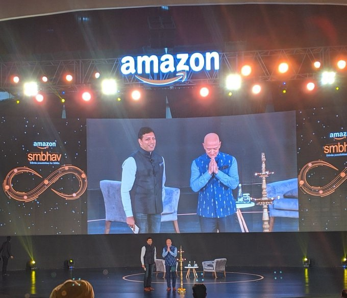 Jeff-Bezos-in-India