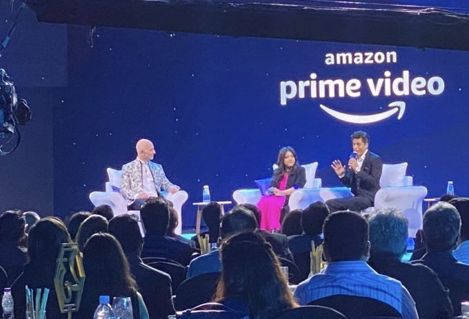 Jeff-Bezos-Shahrukh-Khan-and-Zoya-Akhtar