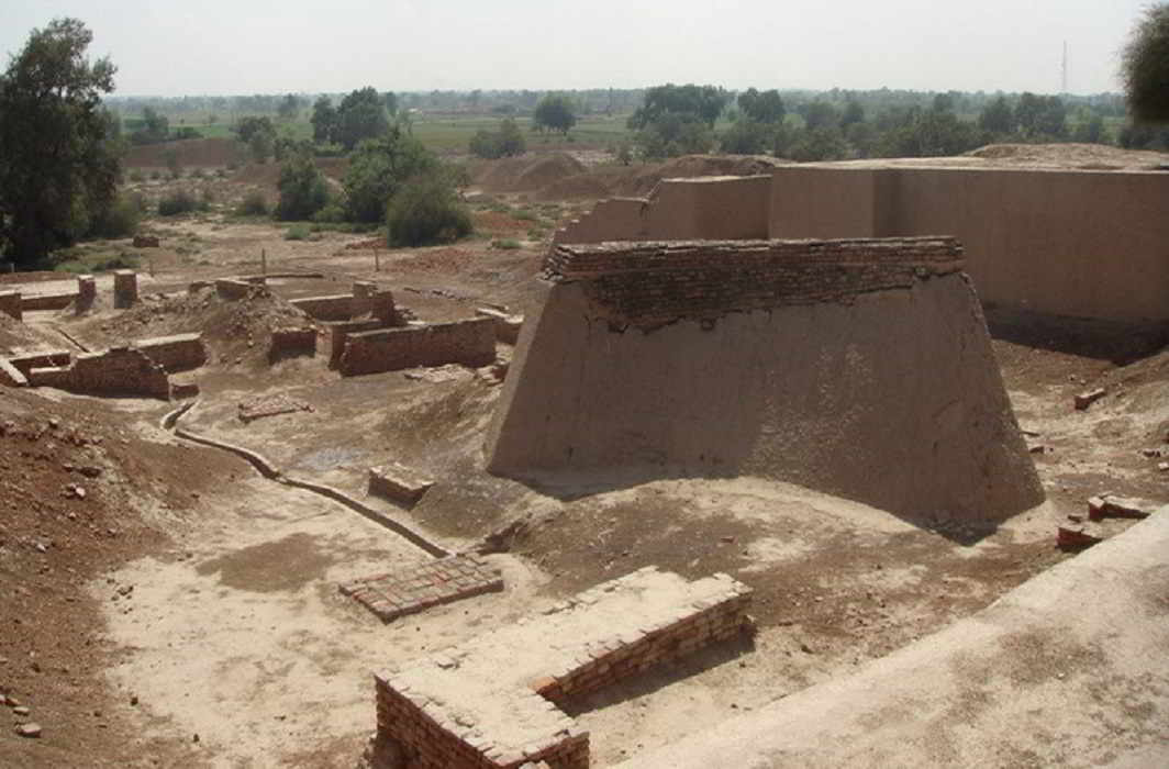 ancient jewelery has found in Haryana