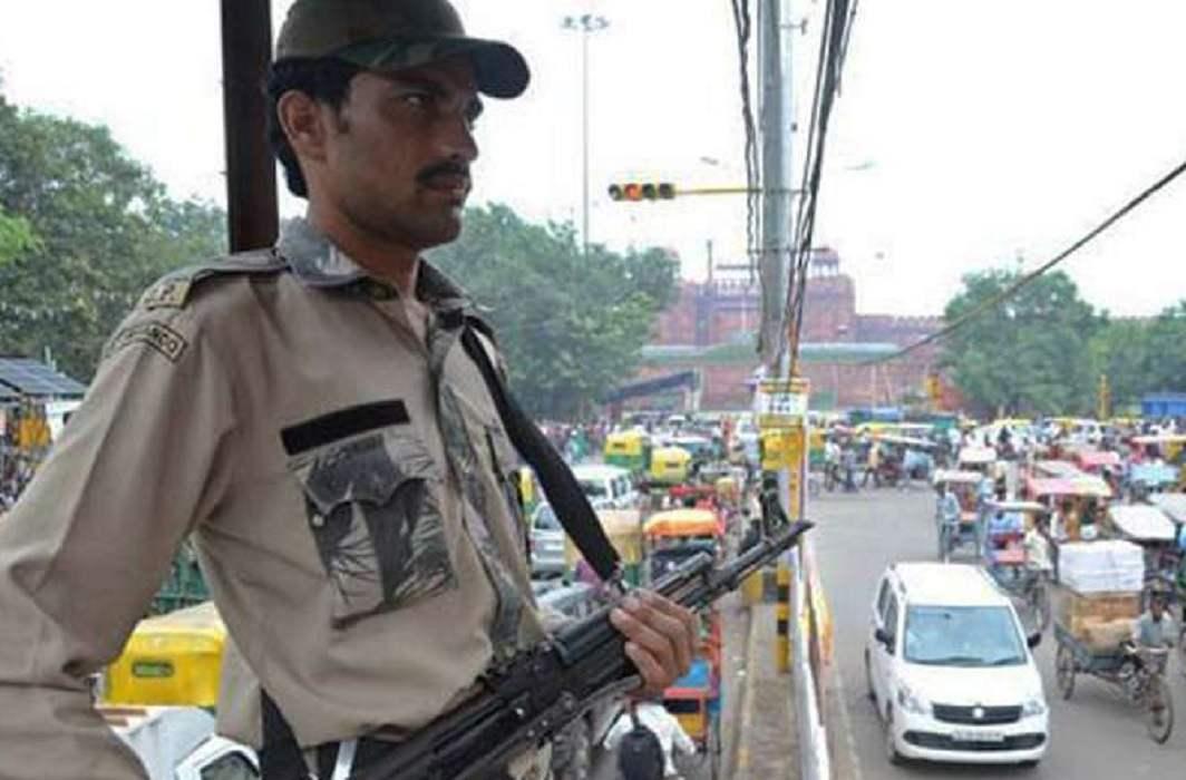 Intelligence agencies issued alerts, Delhi and Mumbai on target of terrorists