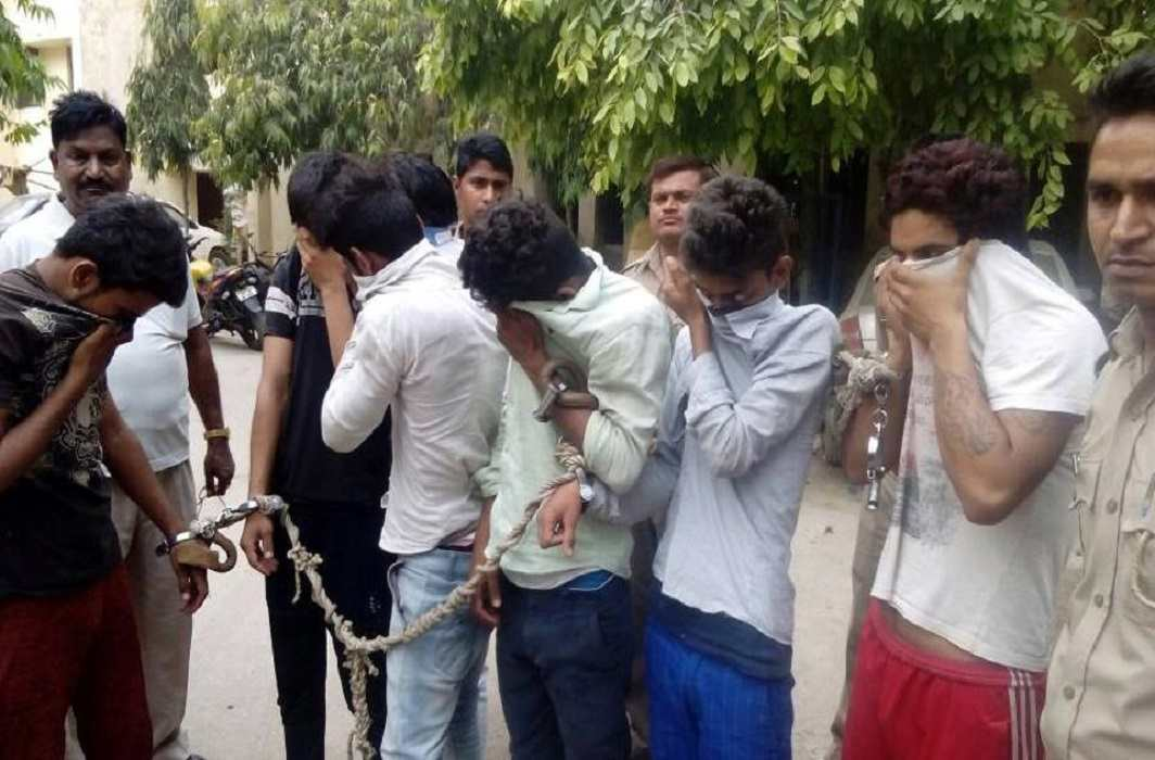 Sex racket busted in Noida and 10 arrested