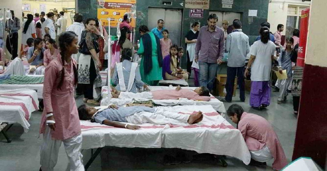 Poisonous gas leaks in Delhi, more than 300 school girl recruits in hospital