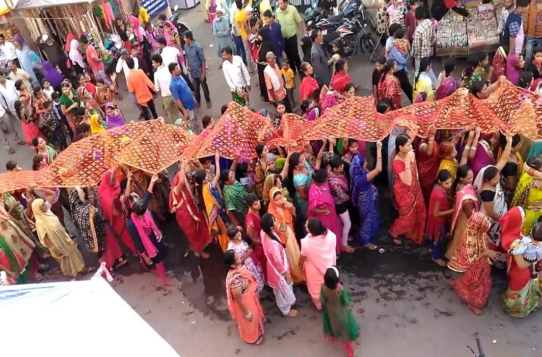 indore chunari yatra festival in indore there has no place in the country like indore