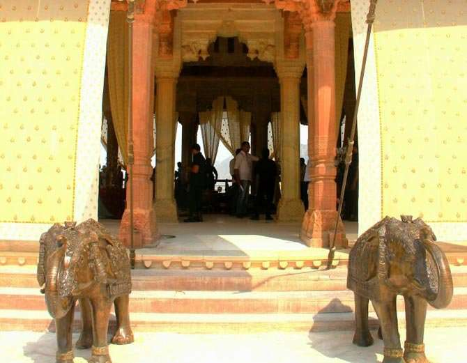 Kangana is doing shooting of Manikarnika movie in Jaipur, Photos viral