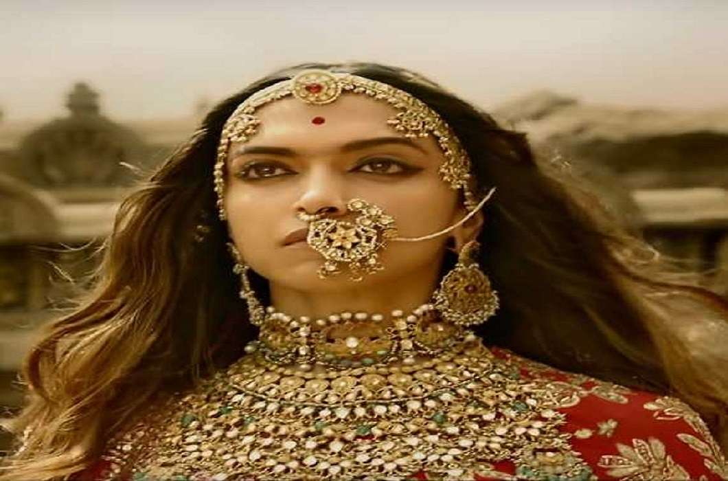 The protest against director Bhansali's 'Padmavati' is taking a new turn every day