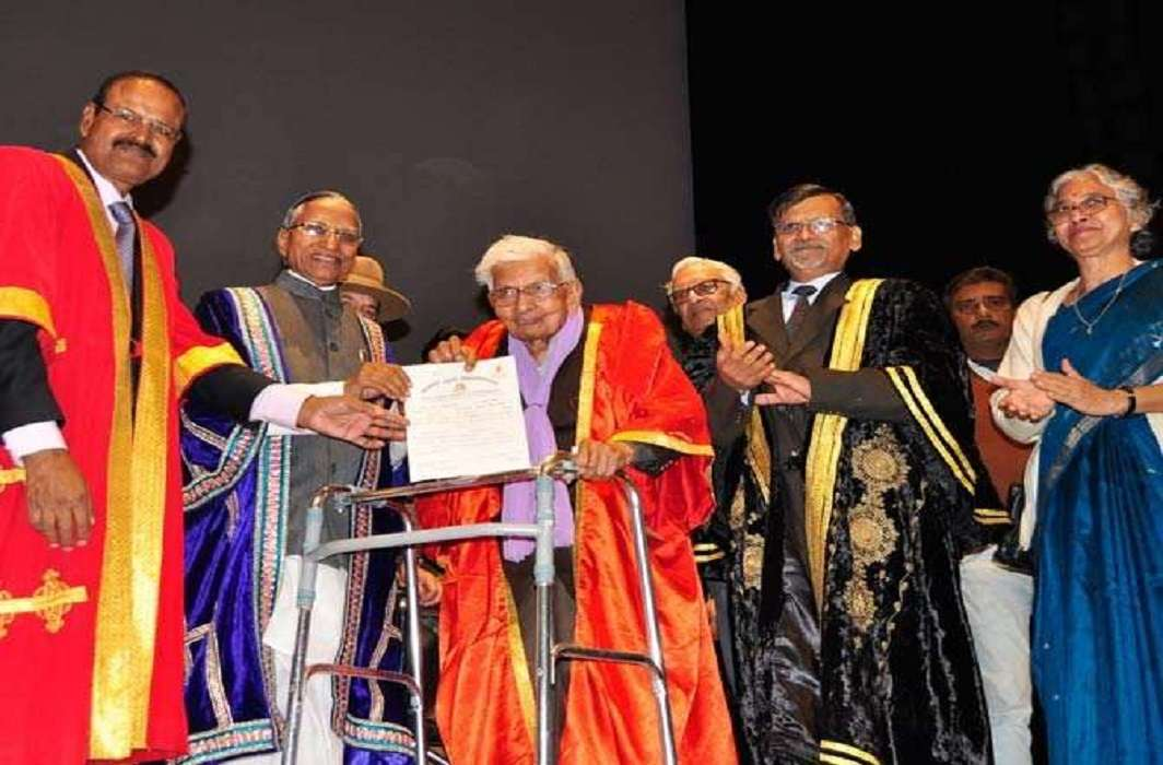 Meet 98-year-old Raj Kumar Vaishya who achieved his MA degree at the age of 98