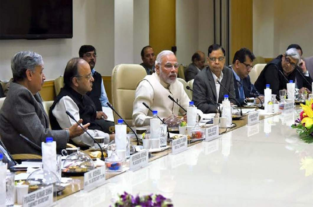 Before the Budget, meeting between PM Modi and economists, discussions on India's economic policy