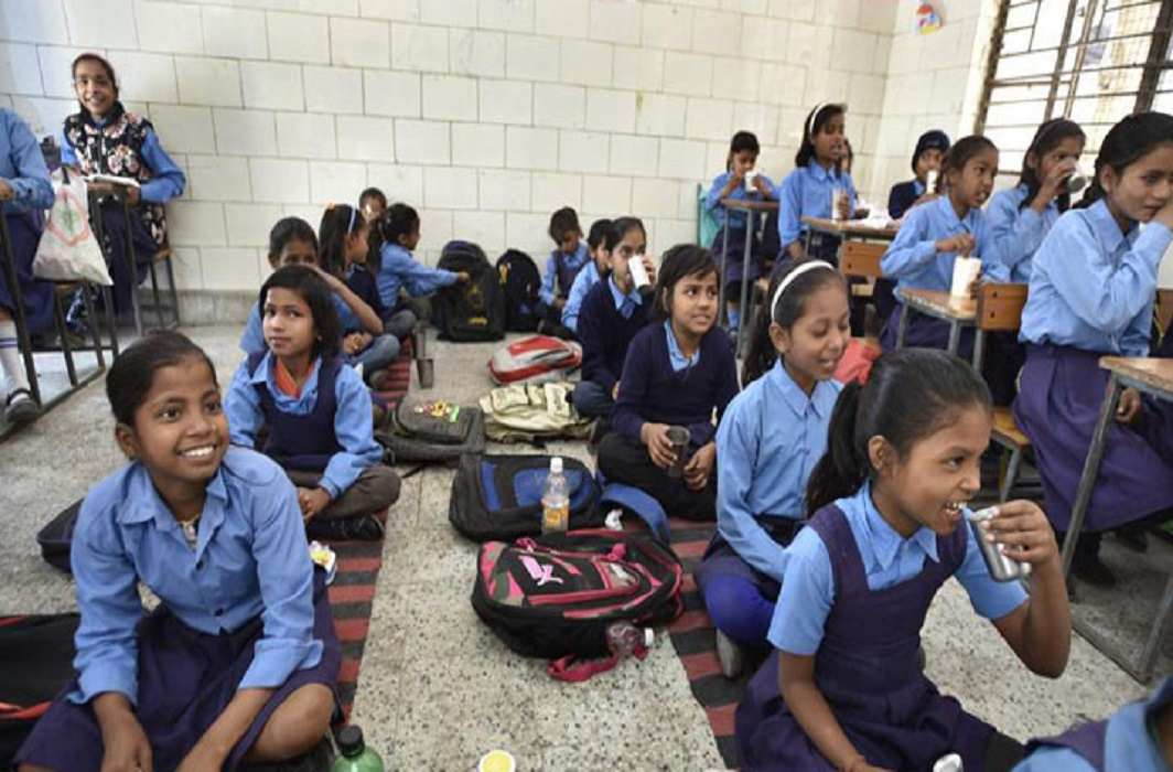 Survey Report, 57 percent poor students of mcd's school in mathematics and Hindi
