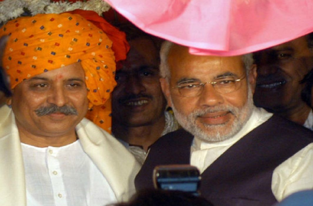 Pravin Togadia Appealed for friendship to pm modi