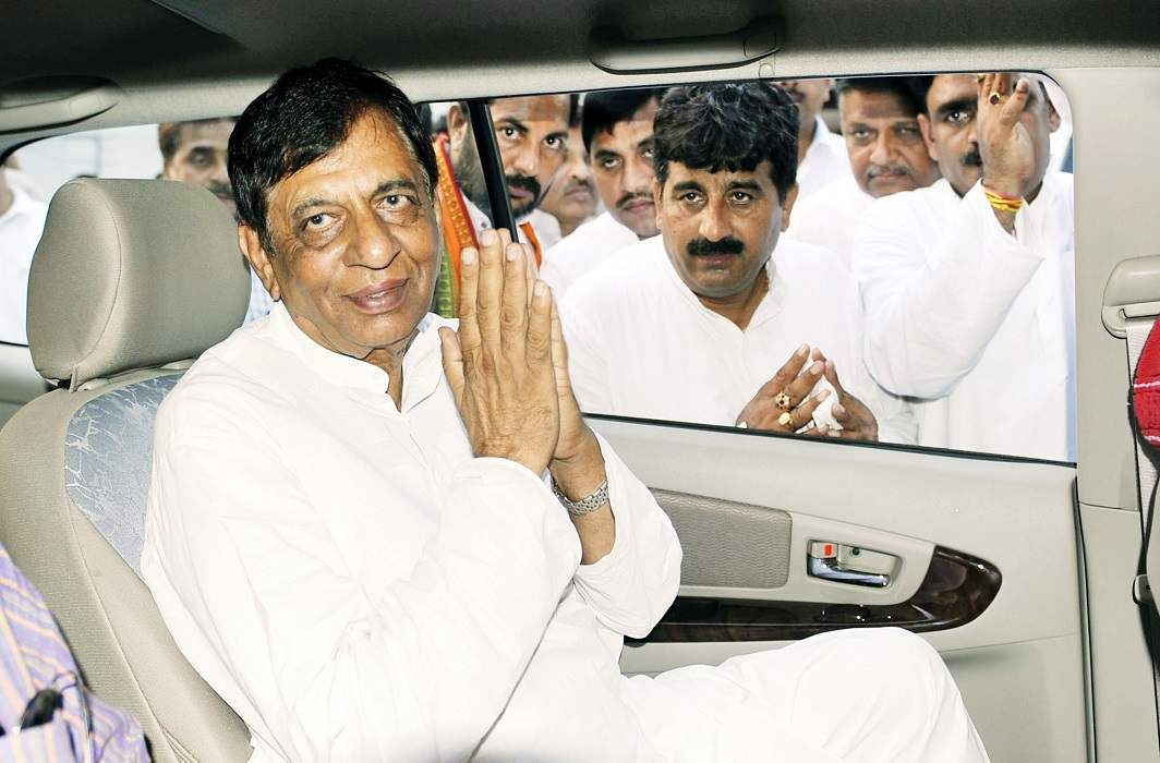 Congress MP Hukum Singh, who was among the leaders of Western UP, died on Saturday at JP Hospital in Noida