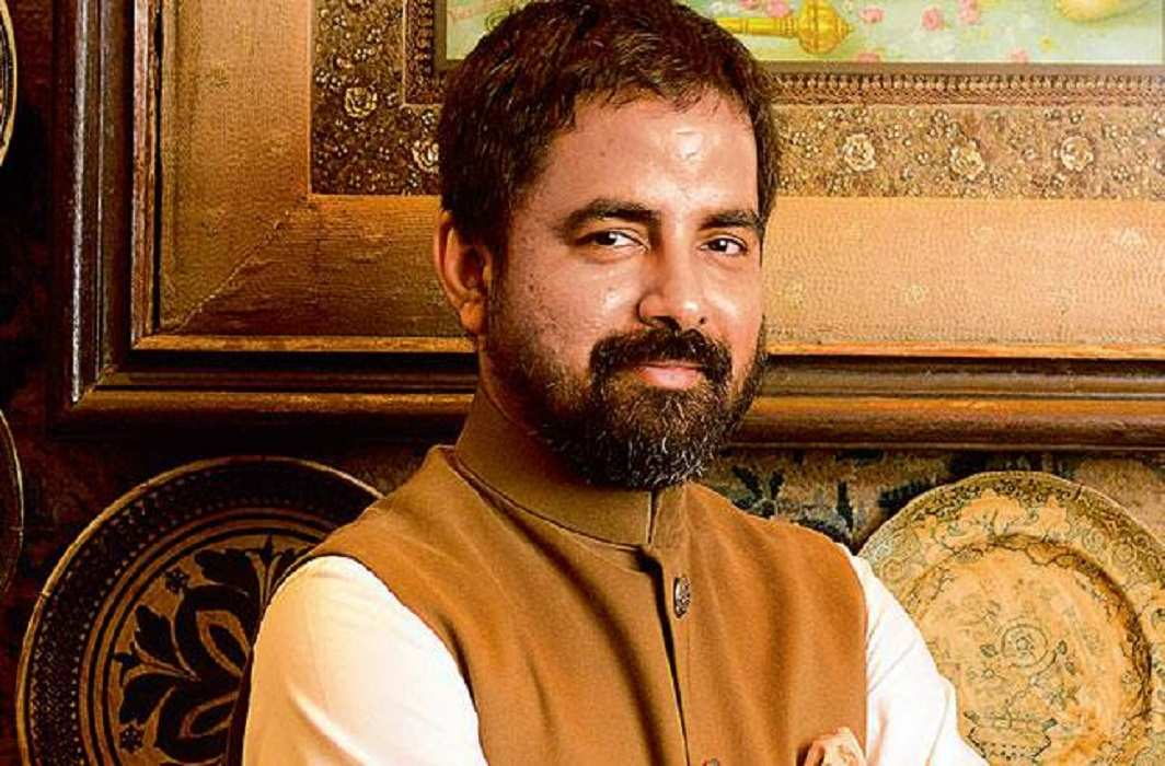 The woman who does not want to wear sari, be ashamed: Sabyasachi, fashion designer