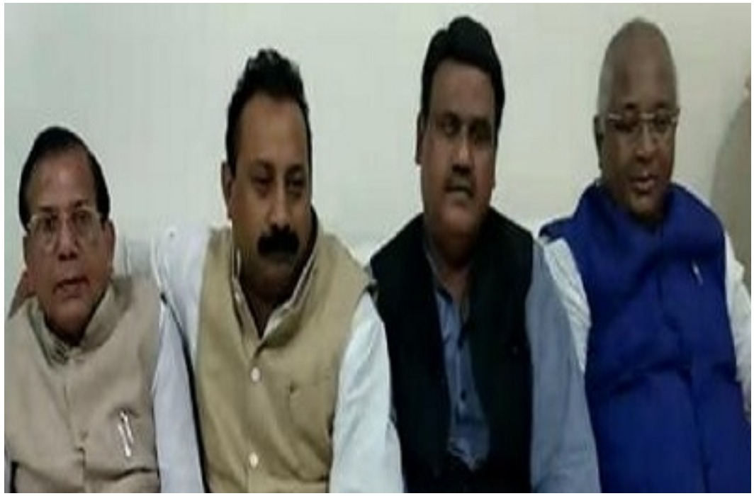 After the BJP in Bihar, the Congress has shocked the party, four MLC left