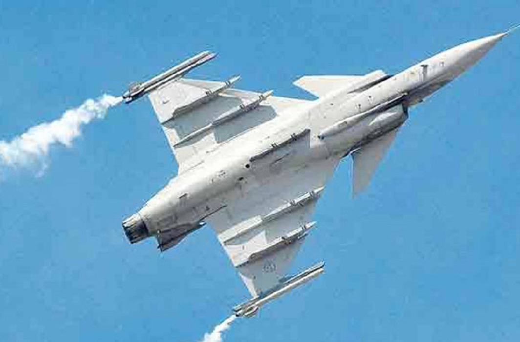 India will purchase 110 fighter aircraft from India, the world's largest defense deal