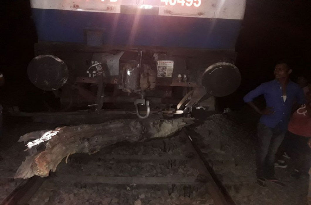 Patna-Kota Express conspiracy to overturn, but avoided big accident