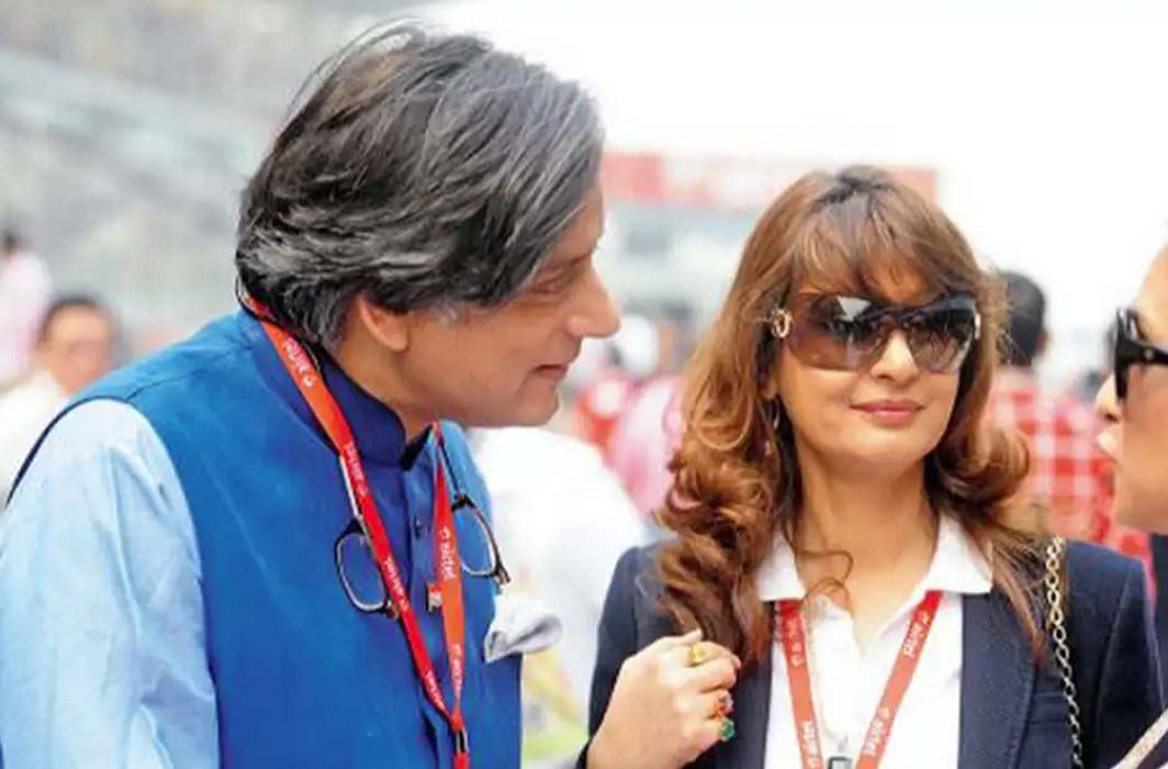Police Revealing in Chargesheet - Shashi Tharoor accused of wife Sunanda Pushkar's death