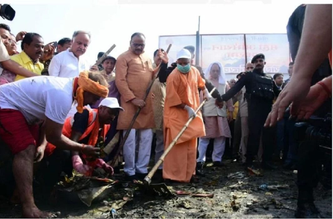 For the cleaning of Gomti river, the CM Yogi took the shovel