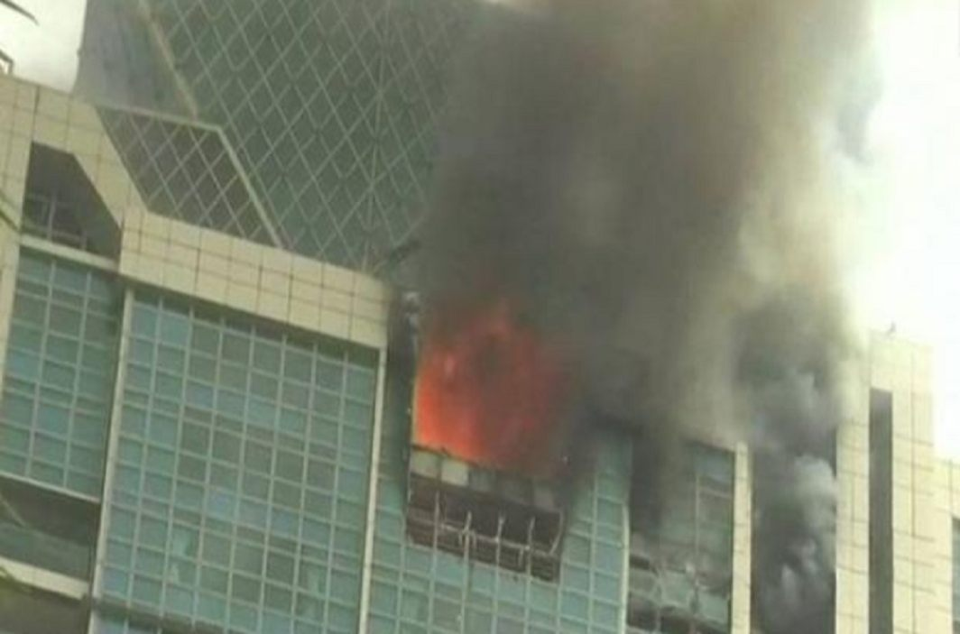 Dangerous fire in the Multi-storey building in Worli in Mumbai, 95 people got safely