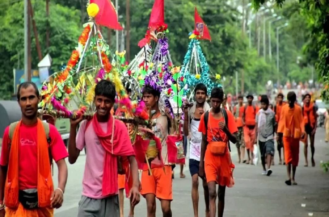 Kanwar Yatra is a difficult austerity,Ashwamegh Yagya is equivalent to giving fruit