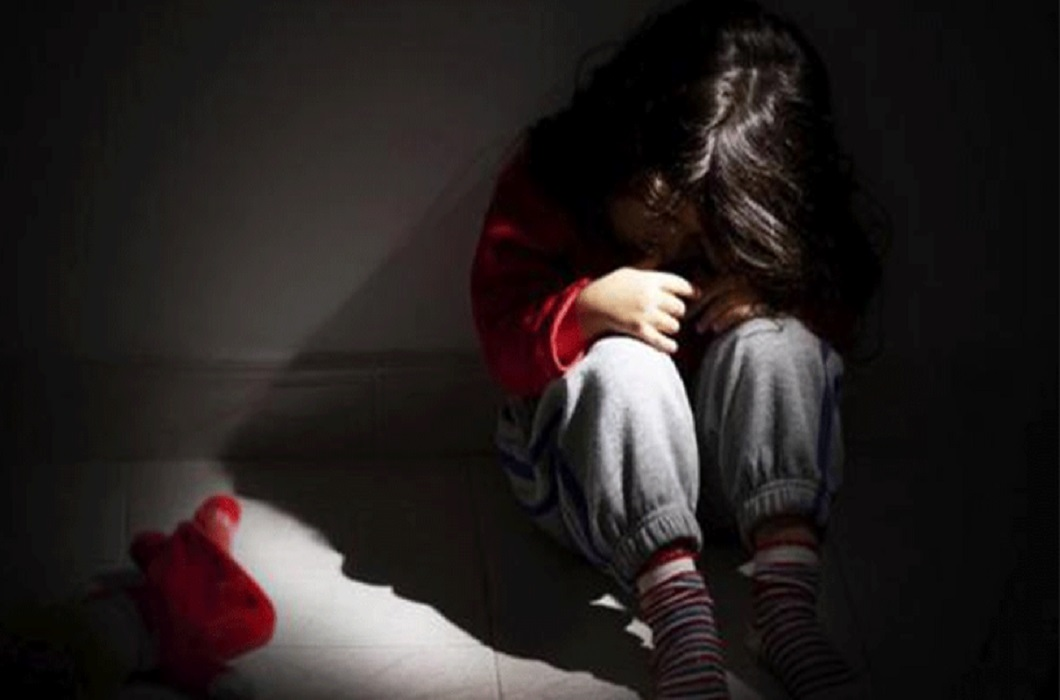 rape incident again in delhi and six year girl raped by schools worker