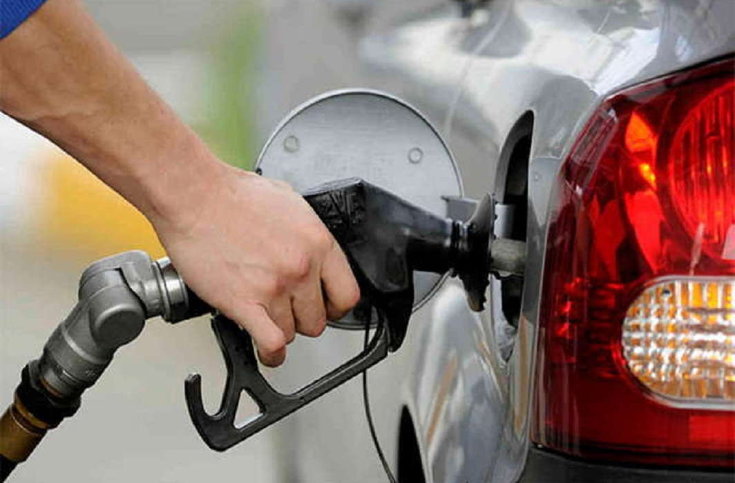 Fuel prices on peak in Delhi, Diesel Rs 72.61 and petrol price at Rs 80.50