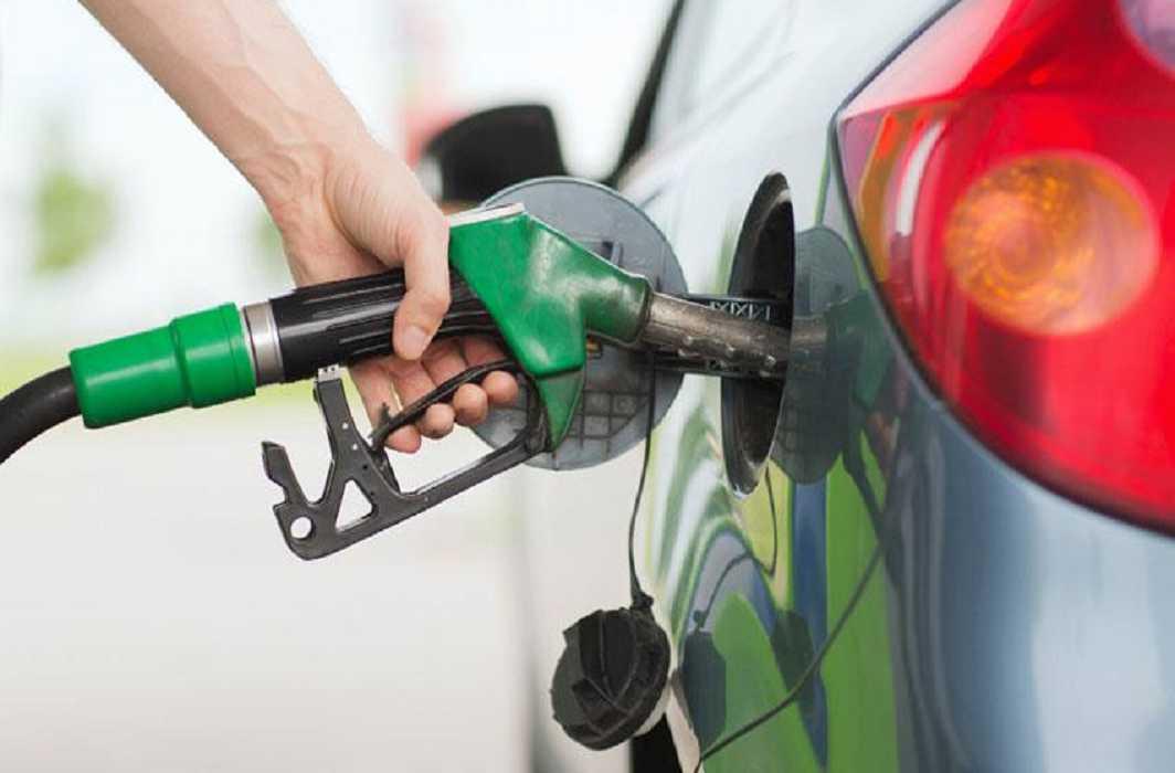 Petrol increased10 paisa in Delhi now 82.32 per liter