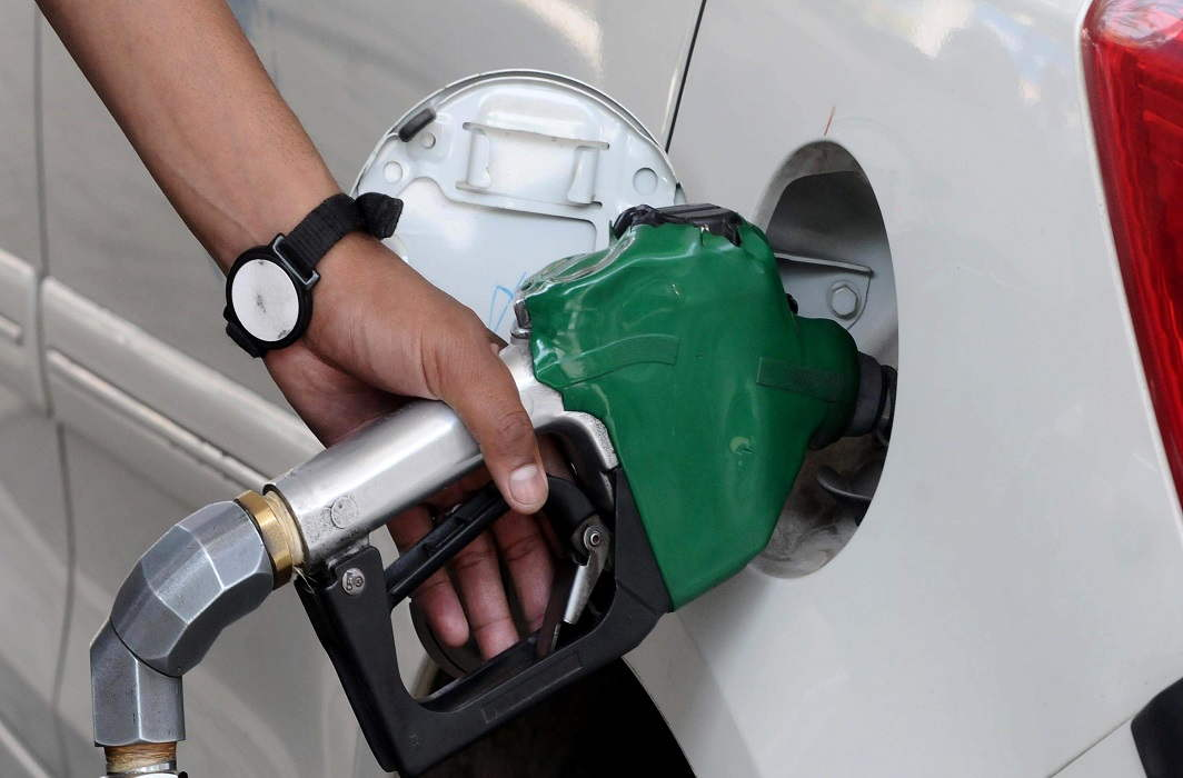 prices of petrol and diesel Increased again today and Patrol Close to 100 rs
