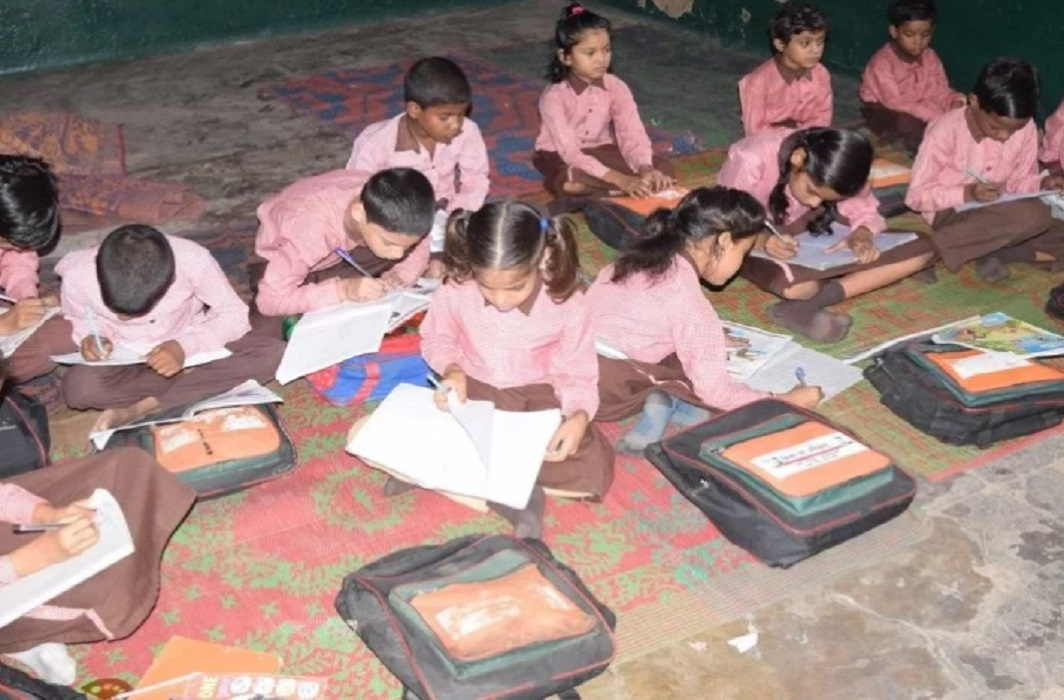 Education system in Sitapur and school Under the shabby roof
