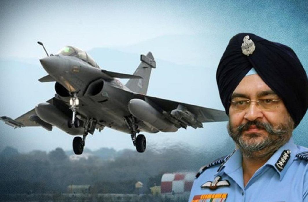 air chief marshal Birender Singh Dhanoa has supports rafale deal and counts its feature