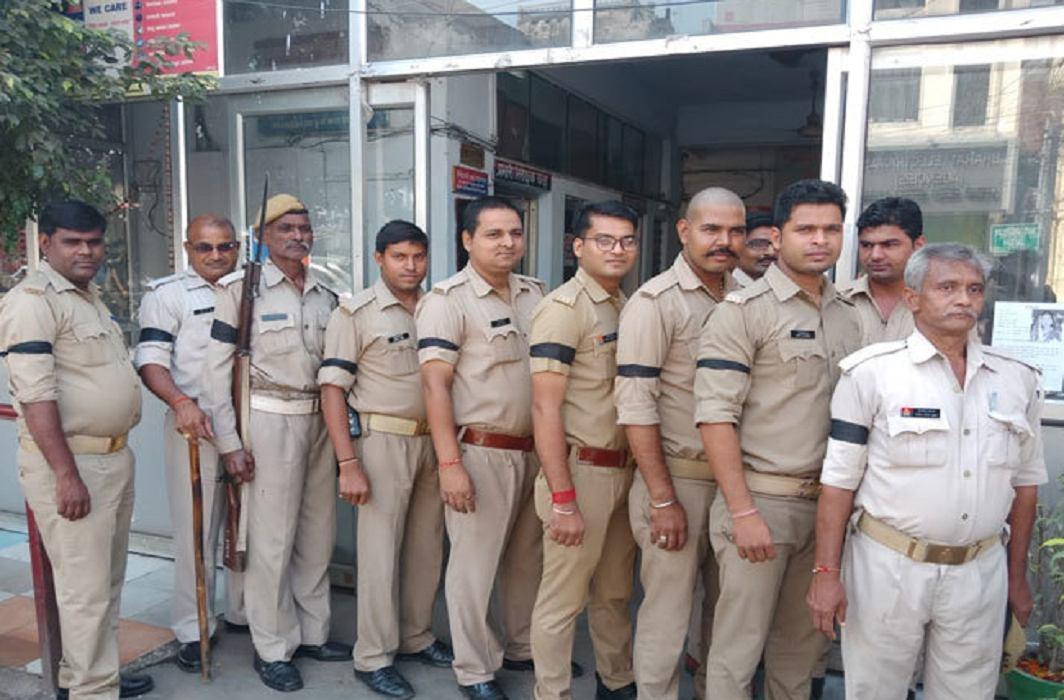 vivek tiwari murder case accused constable police
