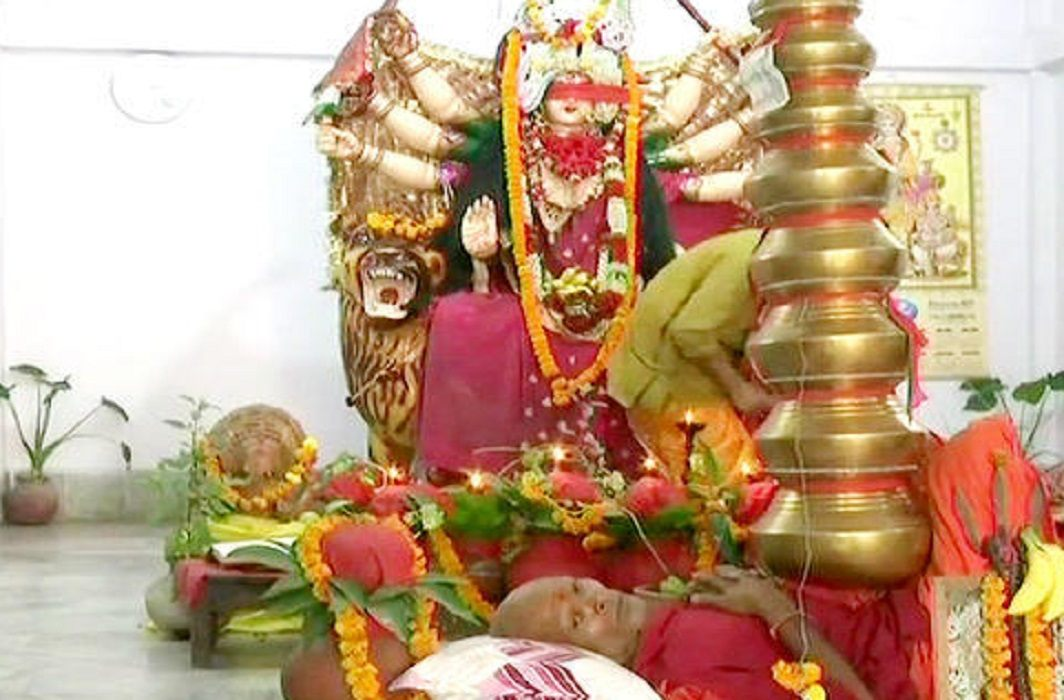 Mother Durga worship by keeping 21 kalash on the chest
