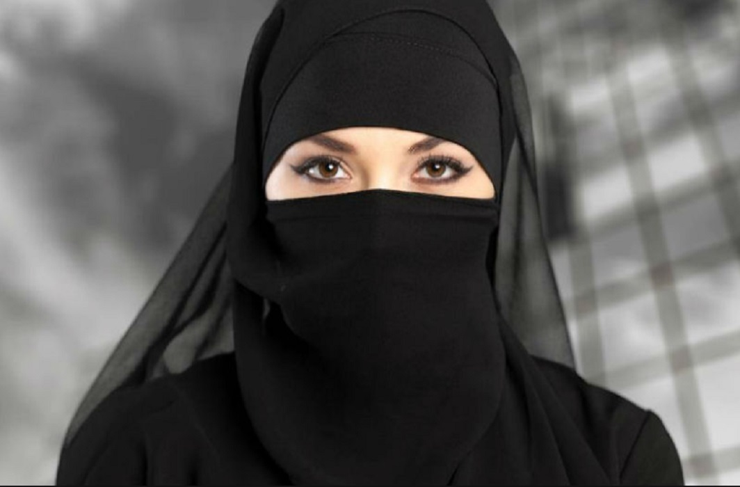 women Reporting should be done by wearing the burqa