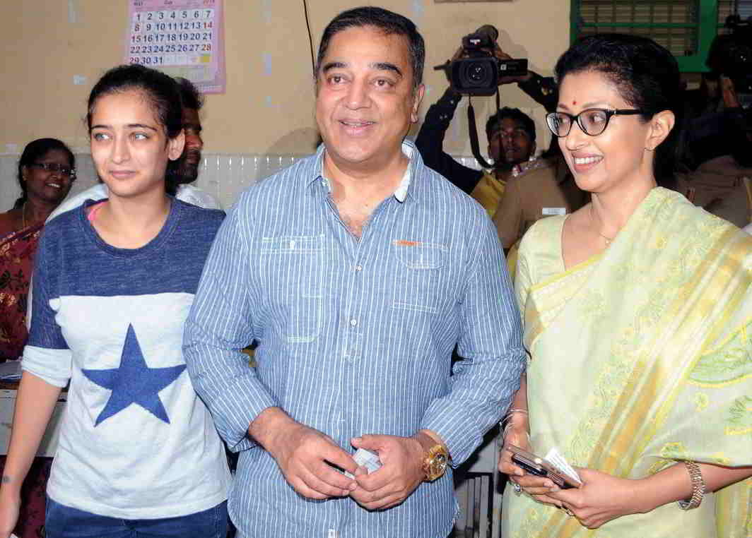 Kamal Haasan after casting his vote in the 2016 Tamil Nadu assembly election